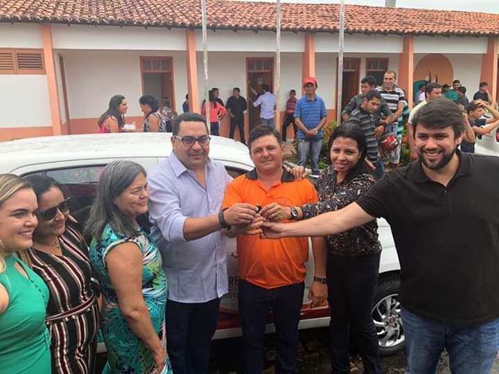 FB IMG 1554549830428 - Prefeito Moisés Ventura inaugura 3 UBS's e entrega 4 veículos zero km em Jenipapo dos Vieiras - minuto barra