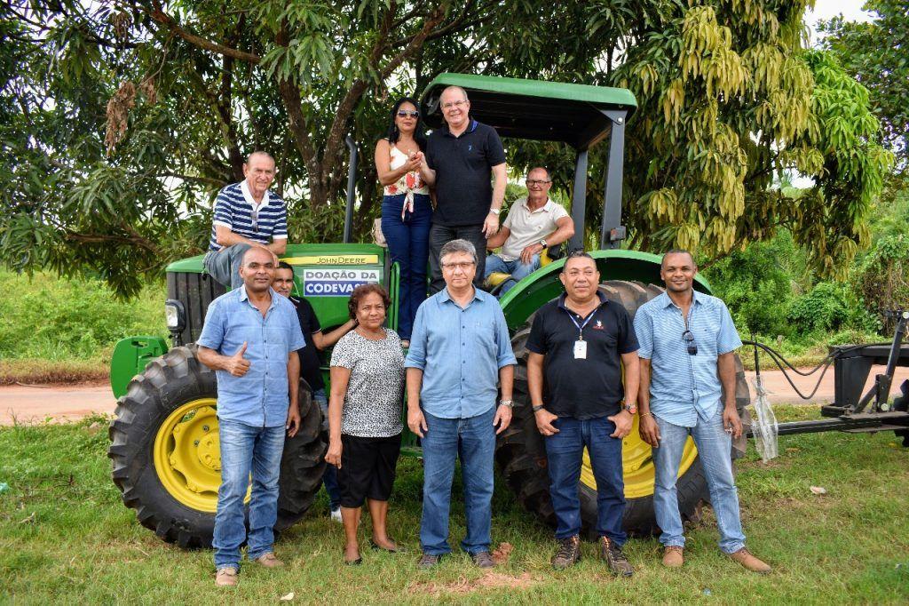 FOTO 11 1024x682 - Hildo Rocha beneficia comunidades rurais de Lago do Junco com casa de farinha e trator agrícola - minuto barra