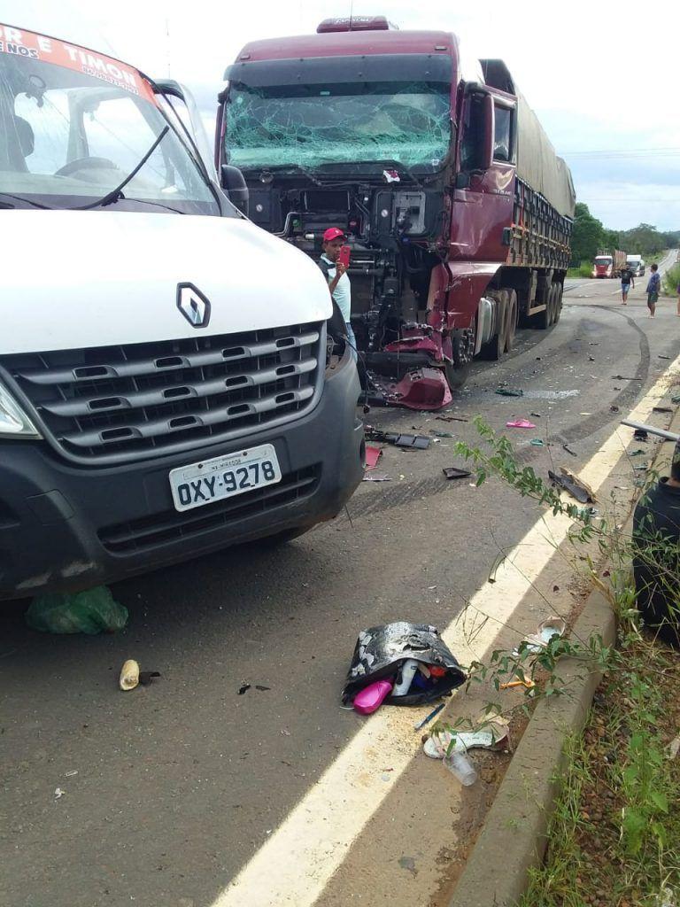 IMG 20190428 WA0180 768x1024 - URGENTE!! Sete pessoas morrem em grave acidente na Br-226 envolvendo Van e Carreta - minuto barra