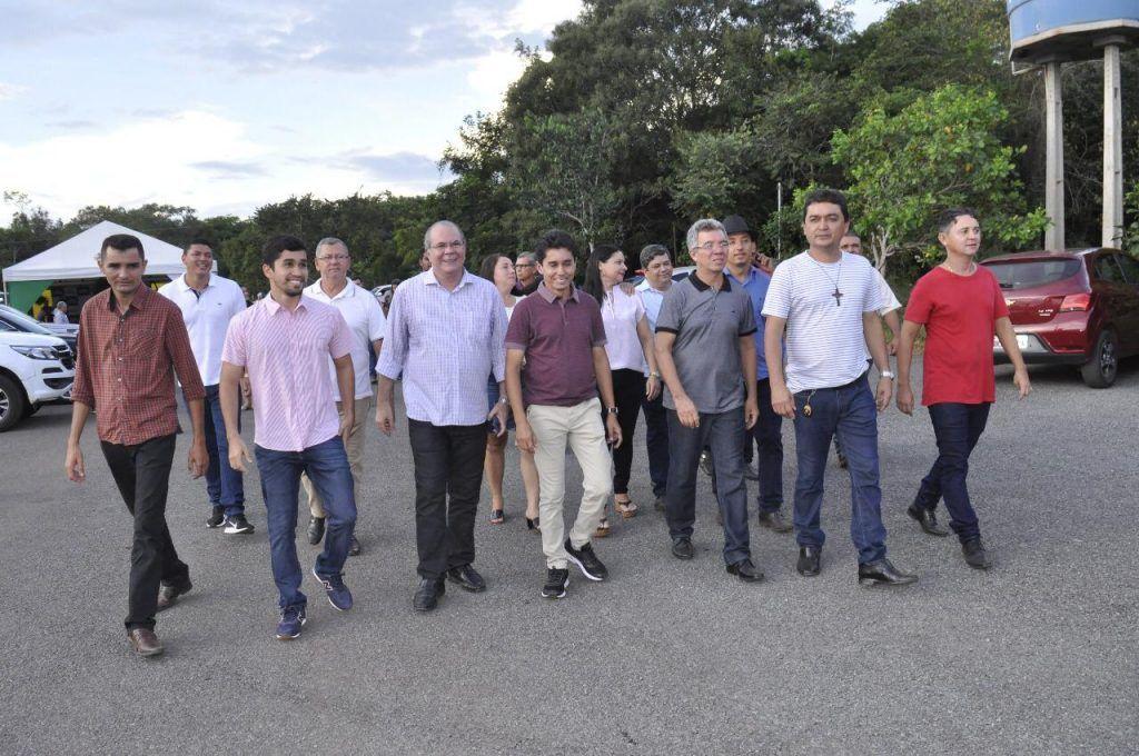 FOTO 3 • INAUGURAÇÃO ESTRADA DA CIGANA 1024x680 - Recursos destinados por Hildo Rocha garante quadra esportiva e estrada asfaltada em Estreito - minuto barra