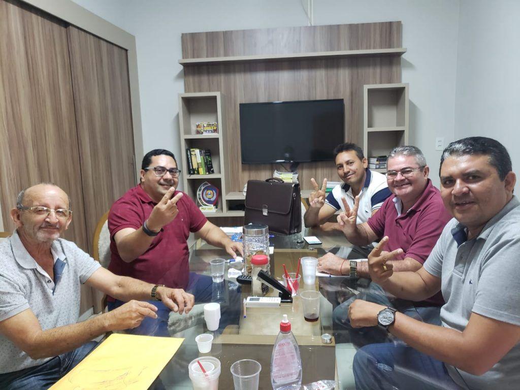 IMG 20190513 WA0082 1024x768 - ELEIÇÕES 2020: Prefeito Moisés Ventura se reúne com Gean Carlos e faz convite para compor chapa em 2020 - minuto barra