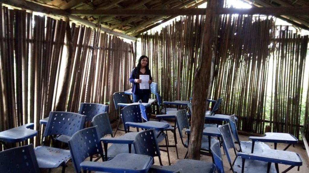 IMG 20190605 WA0149 1024x575 - Em Paulo Ramos, crianças estudam em escola de barro, coberta com palha e sem banheiro - minuto barra