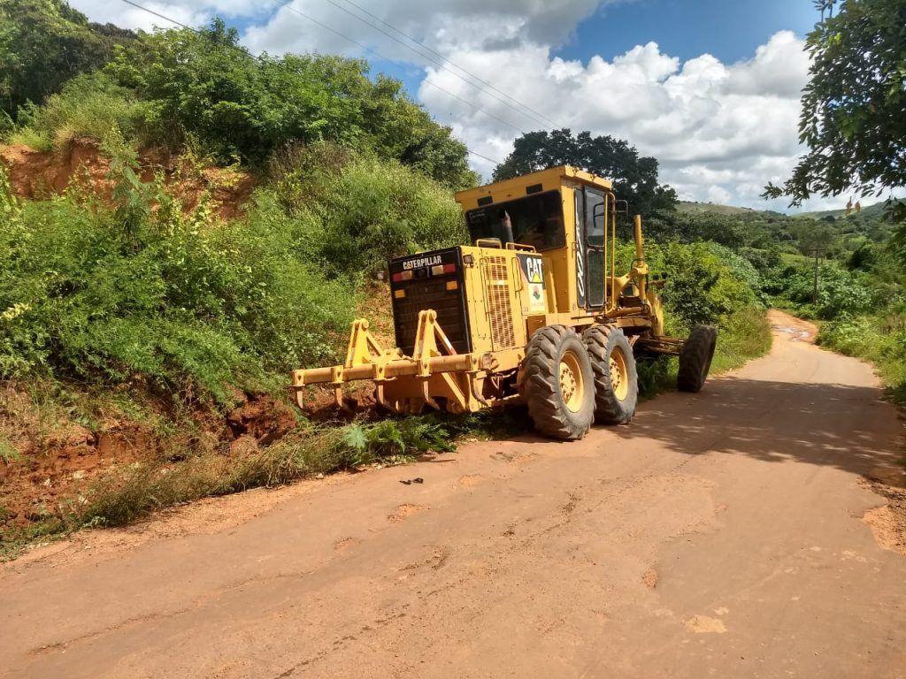 IMG 20190607 WA0076 1024x768 - Prefeito Moisés Ventura intensifica recuperação de estradas em Jenipapo dos Vieiras - minuto barra