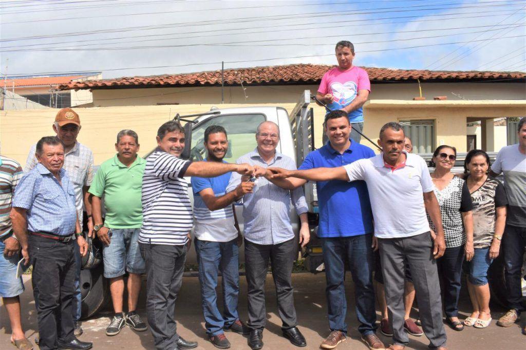 IMG 20190611 WA0003 1024x682 - Hildo Rocha leva benefícios para produtores rurais de São Domingos - minuto barra