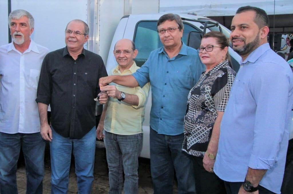 IMG 20190617 WA0017 1024x681 - Ribamarenses recebem caminhão frigorífico e barracas padronizadas viabilizadas por emenda de Hildo Rocha - minuto barra