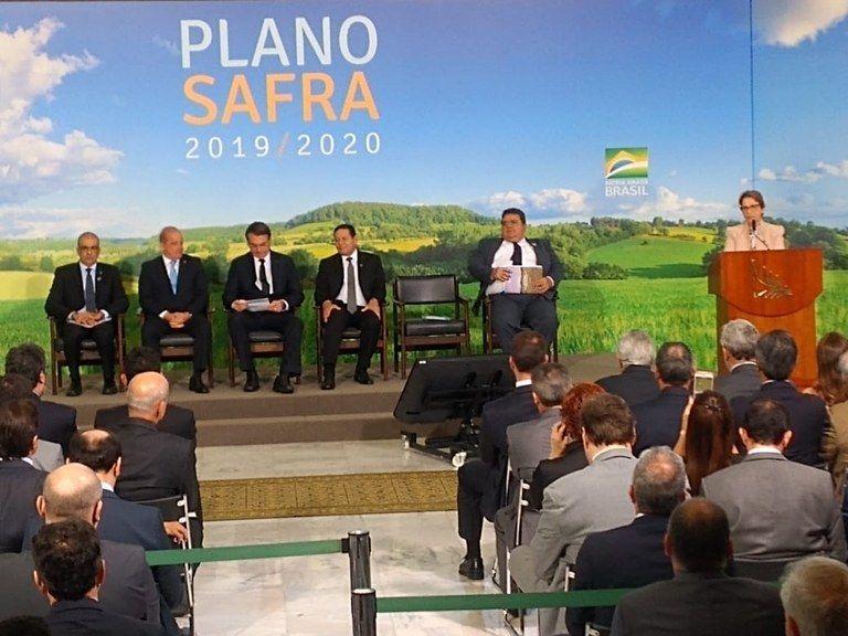 LANÇAMENTO DO PLANO SAFRA 2019 2020 FOTO 3 - Trabalho de Hildo Rocha proporciona ampliação dos recursos do Plano Safra 2019/2020 - minuto barra