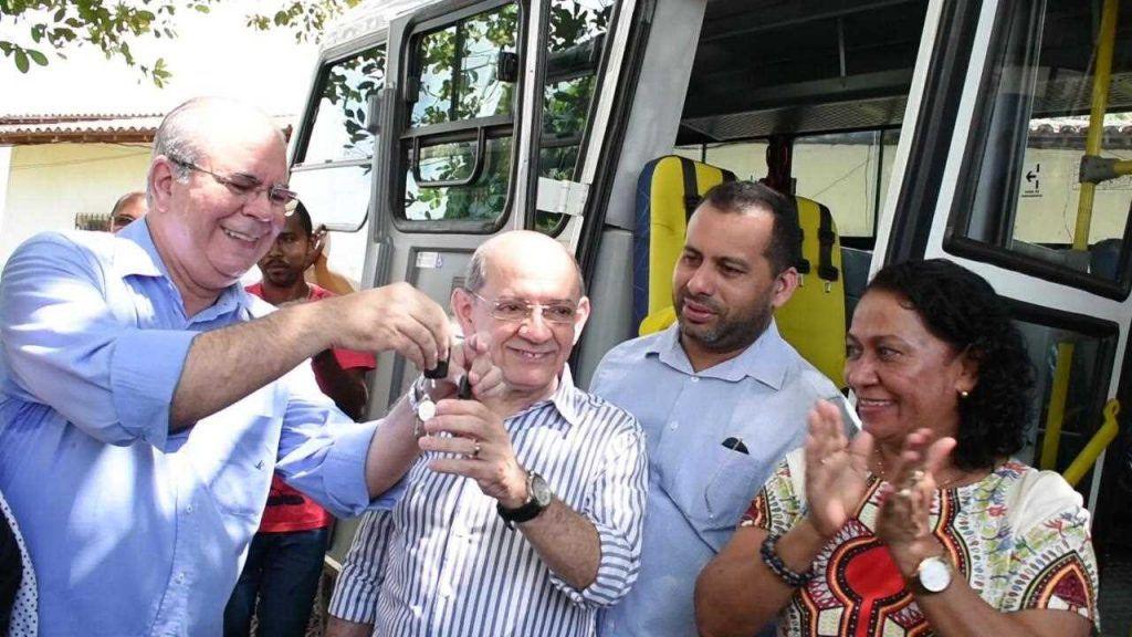 15053A4A A157 40DA 8BA9 7B473283A6E5 1024x576 - Hildo Rocha consegue veículos para ajudar na Assistência Social de Ribamar - minuto barra