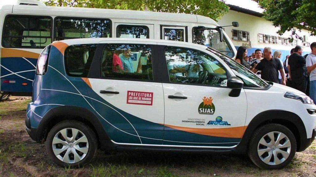 CFA52380 B6E6 427C BD38 DC91A1367352 1024x576 - Hildo Rocha consegue veículos para ajudar na Assistência Social de Ribamar - minuto barra