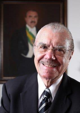 FB IMG 1562964642302 - Em artigo, José Sarney fala de sua trajetória de sucesso entre Pinheiro e Brasília - minuto barra