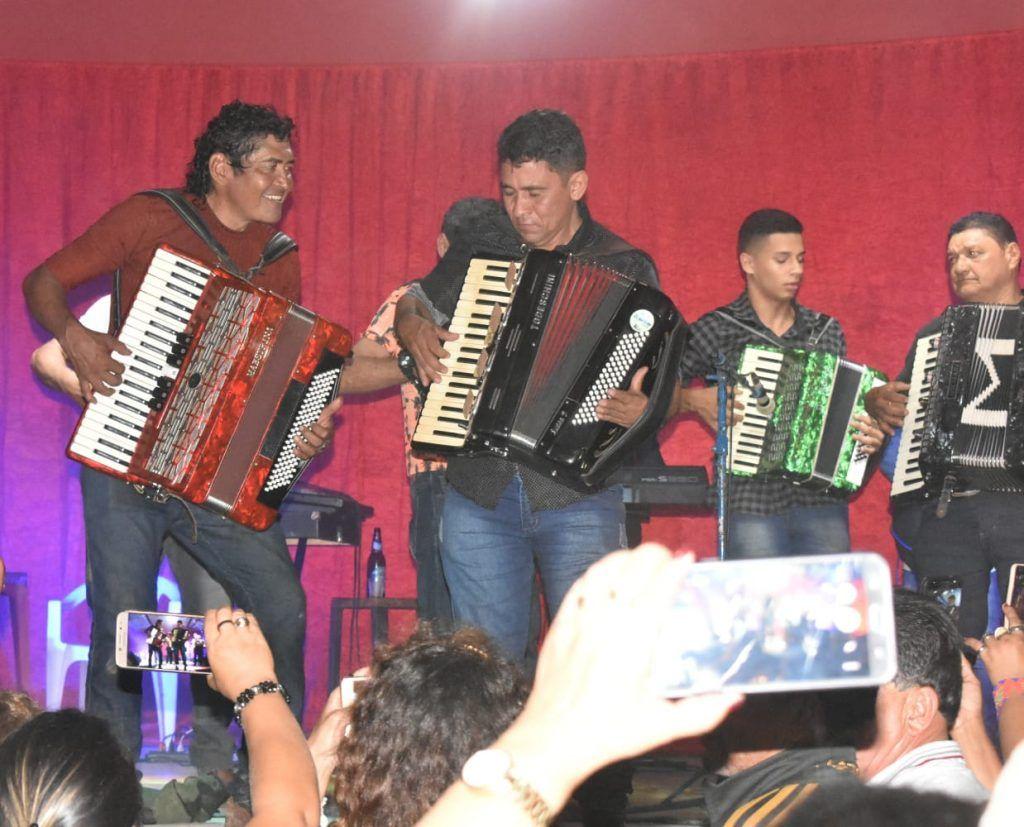 IMG 20190707 WA0122 1024x827 - A MAIOR DO MARANHÃO: Hildo Rocha prestigia tradicional festa dos 10 sanfoneiros em Barra do Corda - minuto barra