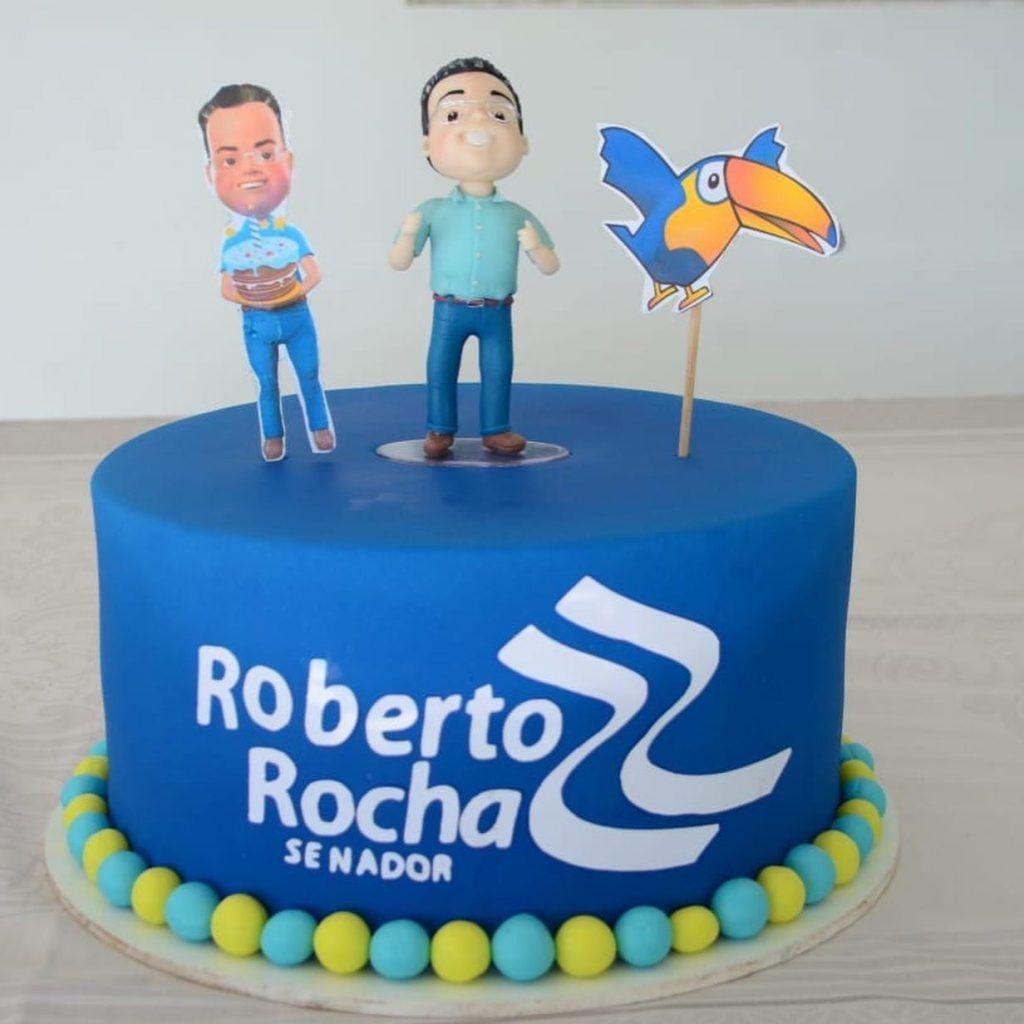 3DF77E26 EE12 4CD2 84C5 46EB77A1BCAF 1024x1024 - Senador Roberto Rocha comemora aniversário ao lado de familiares e amigos em São Luís - minuto barra