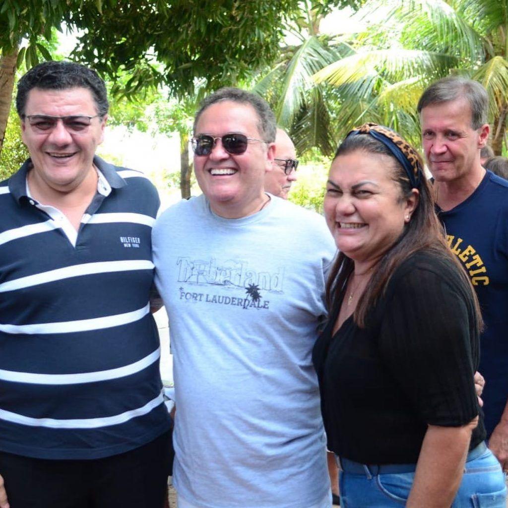504C2286 AB33 46F9 85C8 EF0B8377308F 1024x1024 - Senador Roberto Rocha comemora aniversário ao lado de familiares e amigos em São Luís - minuto barra