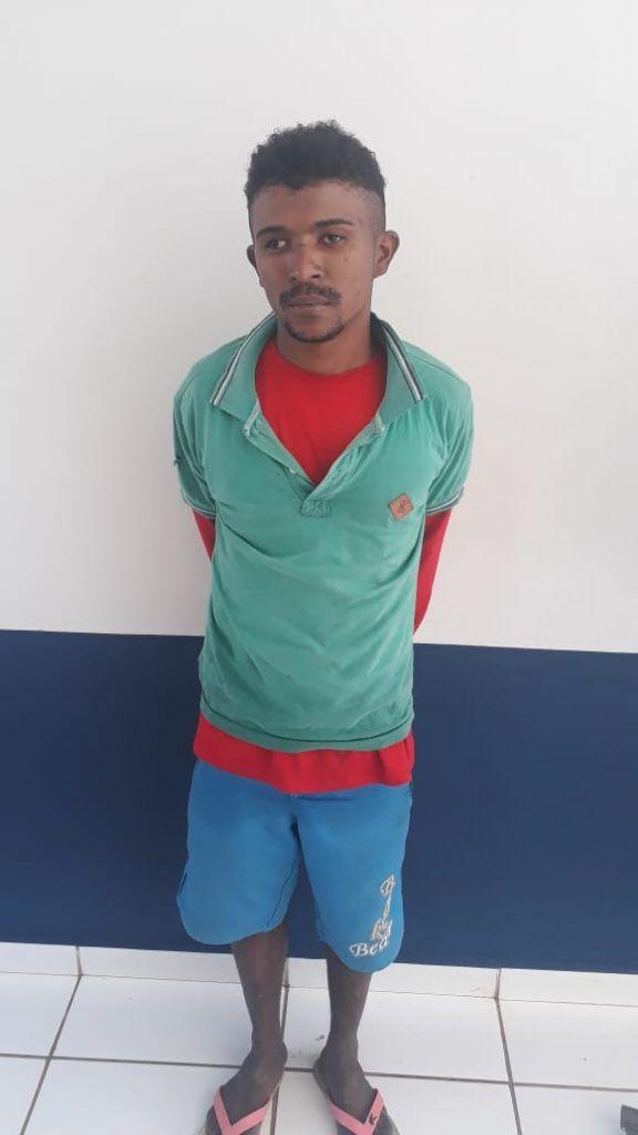 5705218B 59E0 49FF A291 85FE25975B3C 576x1024 - URGENTE!! Polícia Militar acaba de prender assaltante que baleou dono de farmácia em Barra do Corda - minuto barra