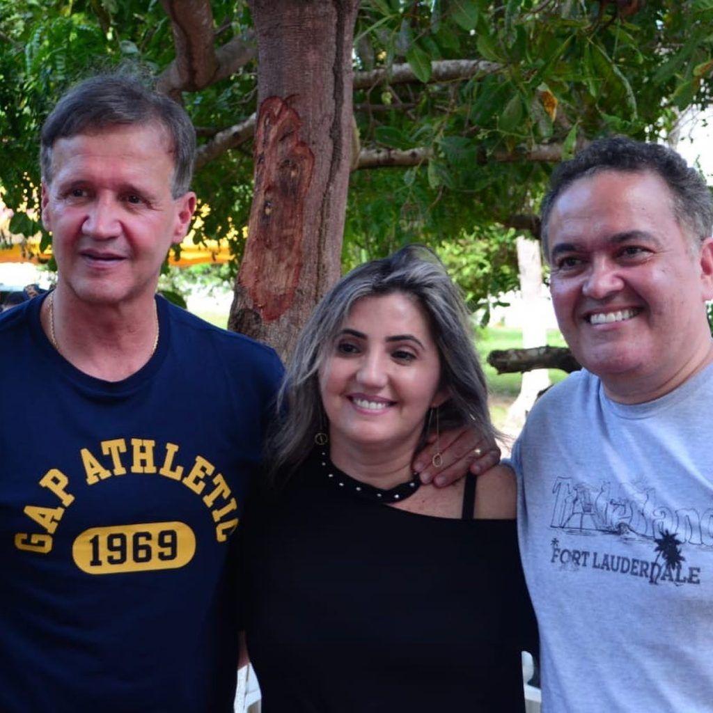5E5D1B82 ED31 42C6 8CC7 5073118B1355 1024x1024 - Senador Roberto Rocha comemora aniversário ao lado de familiares e amigos em São Luís - minuto barra