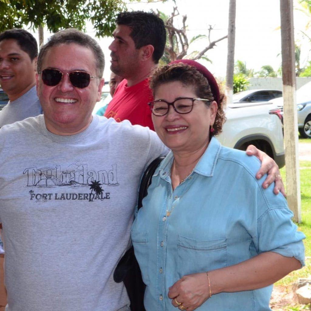 88BEE9AC 6A2A 4898 9E0E C1FD9DF612BB 1024x1024 - Senador Roberto Rocha comemora aniversário ao lado de familiares e amigos em São Luís - minuto barra