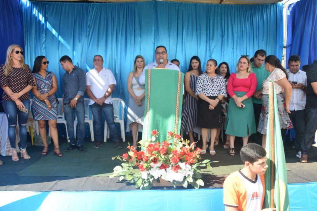 1 1024x682 - Prefeito Moisés Ventura prestigia desfile do 7 de setembro em Jenipapo dos Vieiras - minuto barra