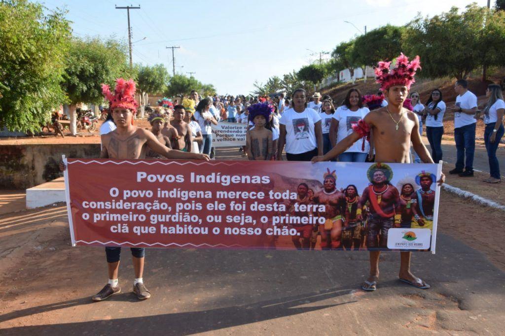 4 1024x682 - Prefeito Moisés Ventura prestigia desfile do 7 de setembro em Jenipapo dos Vieiras - minuto barra