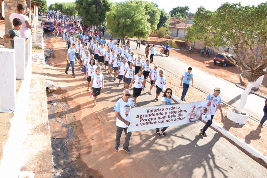 5 1024x682 - Prefeito Moisés Ventura prestigia desfile do 7 de setembro em Jenipapo dos Vieiras - minuto barra