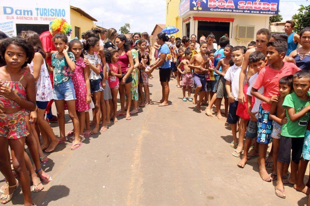 delegado renilto ferreira leva presentes para criancas em barra do corda 4 1024x682 - DIA DA CRIANÇA: Delegado Renilto Ferreira leva presentes para crianças em Barra do Corda - minuto barra