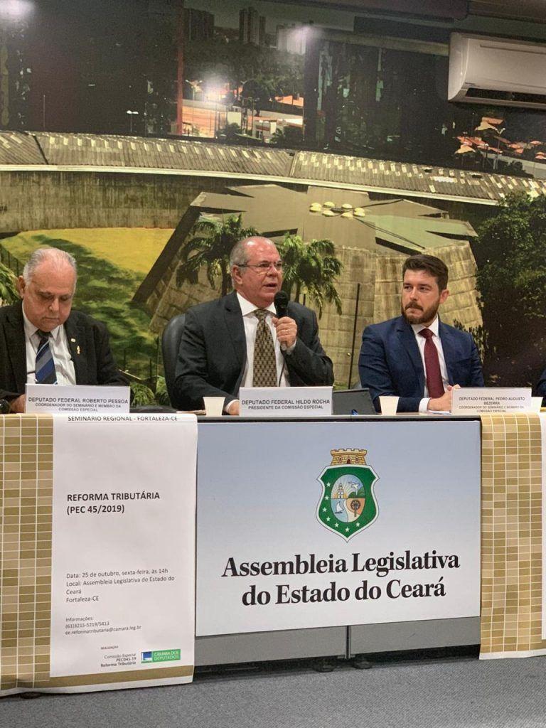 hildo rocha participa de seminario em fortaleza e debate reforma tributaria 768x1024 - Hildo Rocha participa de seminário em Fortaleza e debate Reforma Tributária - minuto barra