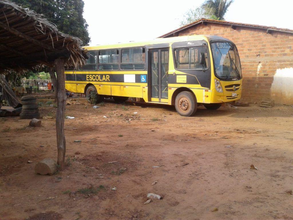 por falta de bateria onibus escolar nao transporta alunos ha tres semanas em tuntum 1024x768 - Após matéria do Blog Minuto Barra, prefeitura de Tuntum troca bateria de ônibus escolar - minuto barra