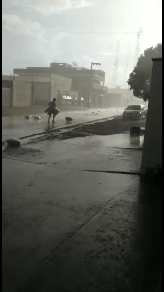 chuva com fortes ventos provoca estragos na tarde desta sexta feira20 em barra do corda 576x1024 - Chuva com fortes ventos provoca estragos na tarde desta sexta-feira(20) em Barra do Corda - minuto barra