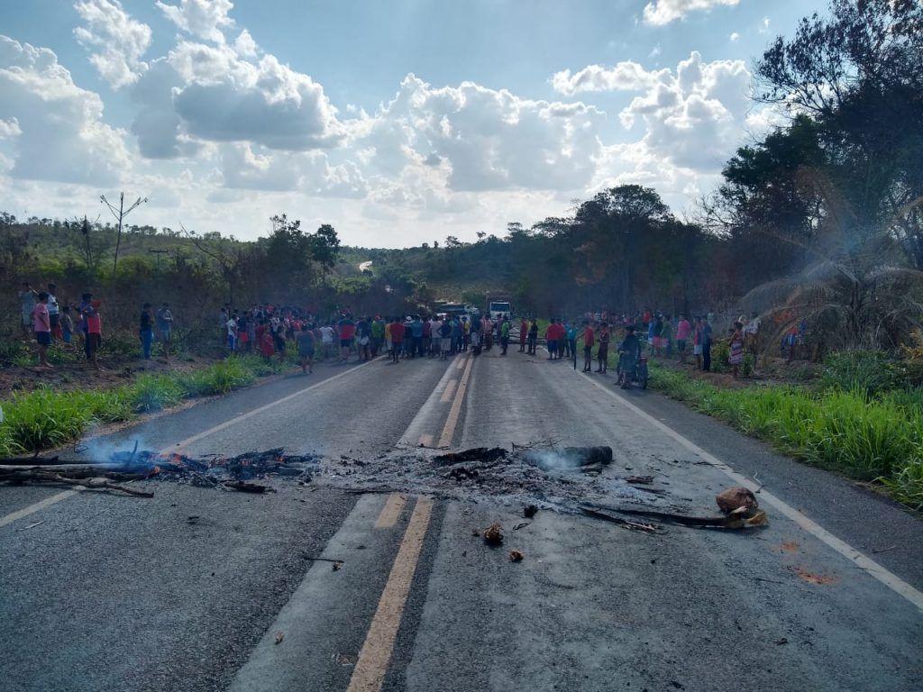 clima e tenso na br 226 entre barra do corda e grajau rodovia continua bloqueada por indigenas 2 1024x768 - Clima é tenso na BR-226 entre Barra do Corda e Grajaú, rodovia continua bloqueada por indígenas - minuto barra