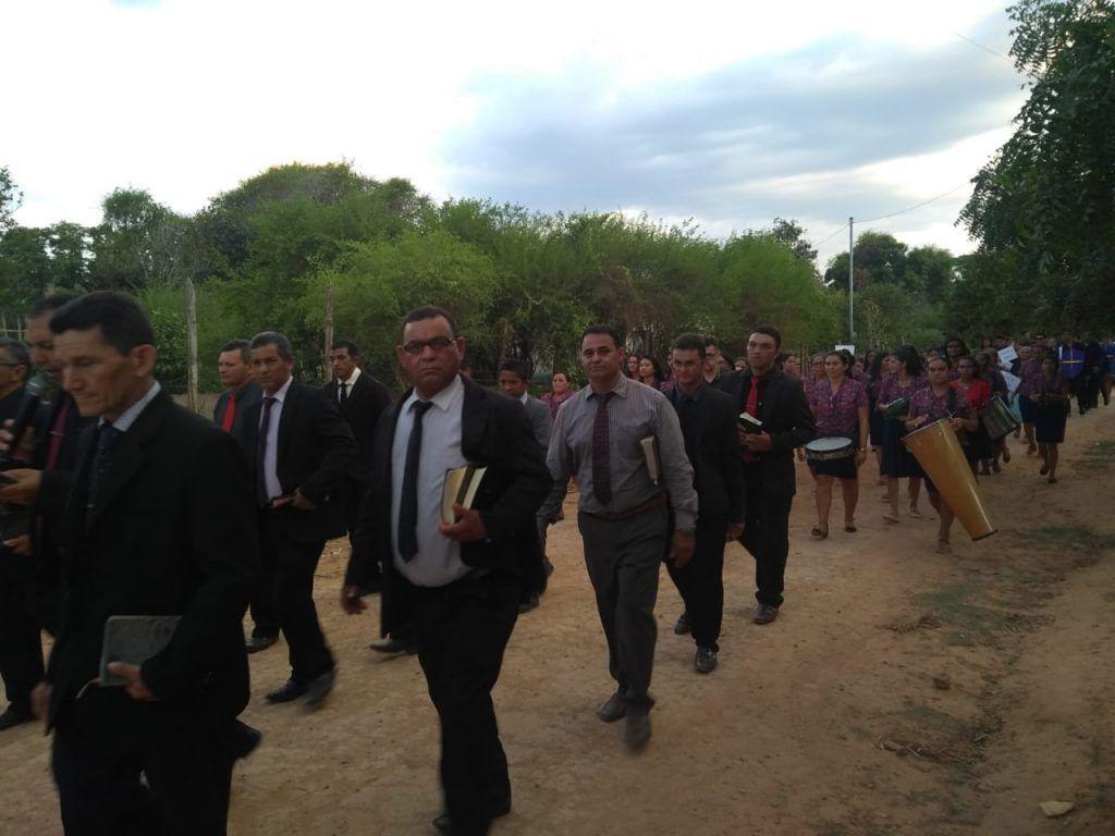 presidente gil lopes prestigia evento em comemoracao ao dia da biblia no povoado barro branco 1 1024x768 - Presidente Gil Lopes prestigia evento em comemoração ao dia da Bíblia no Povoado Barro Branco - minuto barra