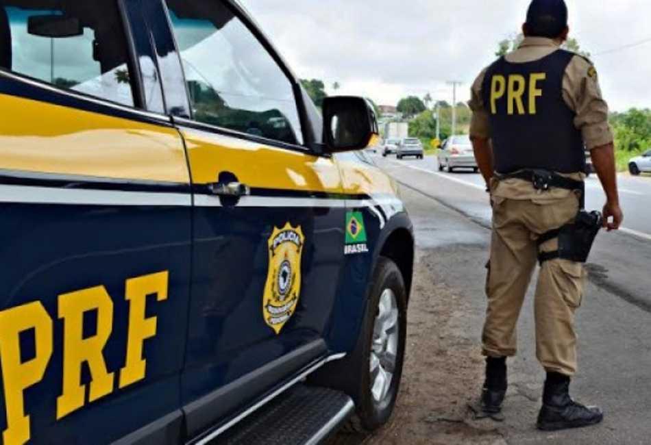 policia rodoviaria federal apreende na br 226 em barra do corda carro que foi roubado em sergipe - Polícia Rodoviária Federal apreende na Br-226 em Barra do Corda carro que foi roubado em Sergipe - minuto barra