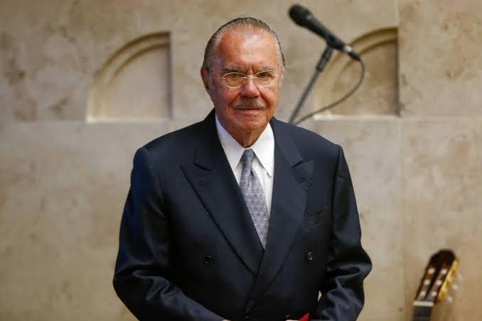 Alexandre Garcia diz que nos últimos 40 anos apenas José Sarney não usou palavrões com ministros