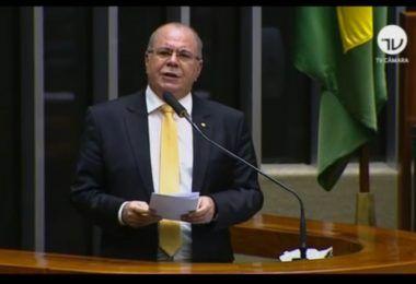 Auxílio emergencial do governo Bolsonaro ampara trabalhadores e aquece economia maranhense na pandemia, afirma Hildo Rocha