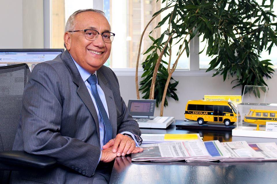 Deputado Gastão Vieira emite nota após matéria do Blog Minuto Barra quanto ao valor de R$ 1,5 milhão destinado ao município de Lagoa do Mato