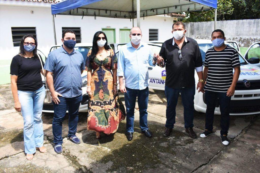 2 1024x682 - Hildo Rocha entrega dois carros 0km e vários equipamentos para saúde pública de Cantanhede