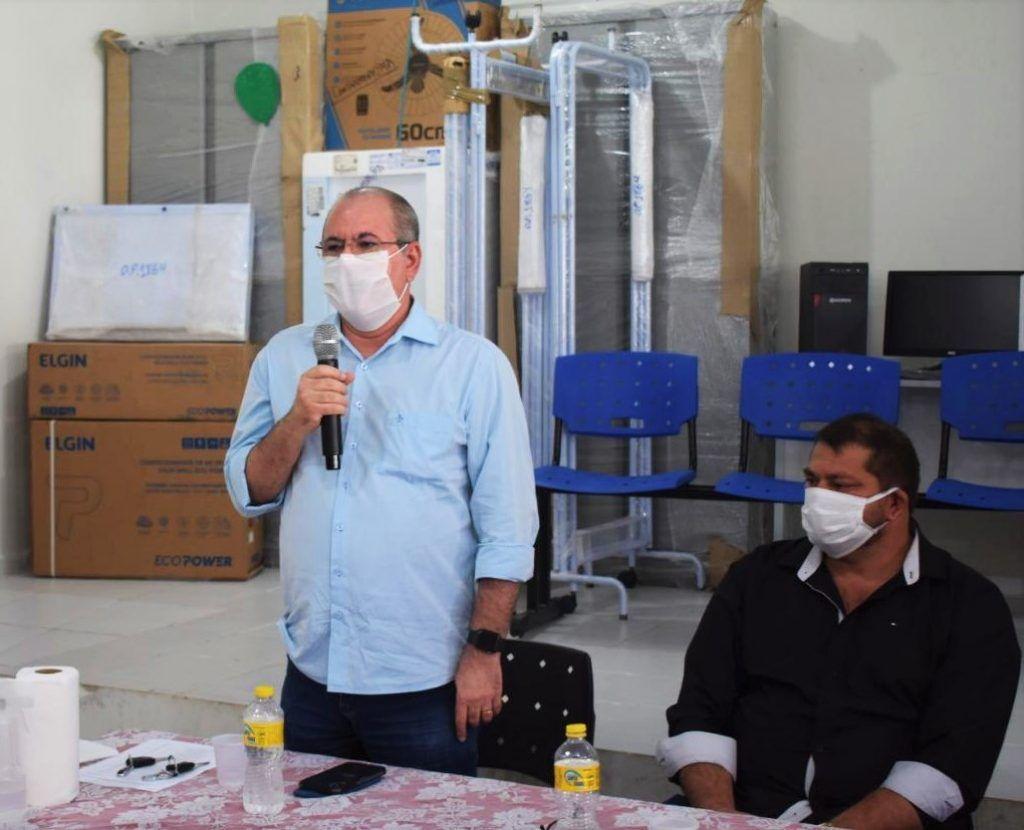 3 1024x830 - Hildo Rocha entrega dois carros 0km e vários equipamentos para saúde pública de Cantanhede
