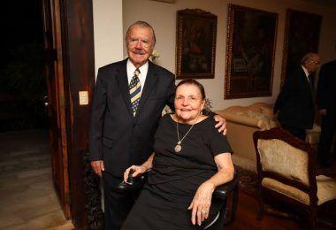 19:50h: Roseana Sarney informa que sua mãe dona Marly encontra-se na UTI e passará por uma cirurgia após ter sofrido uma queda em Brasília