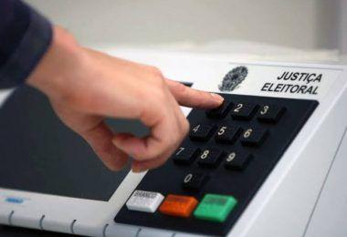 Câmara dos deputados aprova texto base para adiamento das eleições municipais