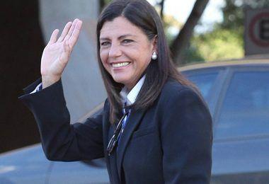 ELEIÇÕES 2020: Mesmo afirmando que não é candidata, Roseana aparece em 2º lugar em pesquisa do Jornal Pequeno