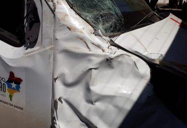 JÁ SÃO QUATRO: Ambulância doada pelo deputado Rigo Teles é flagrada com vestígios de envolvimento em acidente, em Barra do Corda