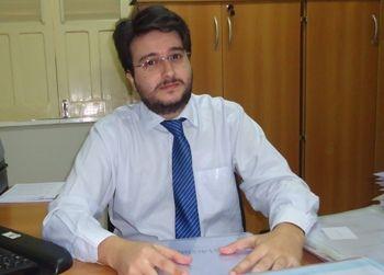 Juiz eleitoral Iran Kurban Filho dá prazo de 48h para Eric Costa explicar por que comentou em evento pesquisa eleitoral sem registro, como o acusa o MDB