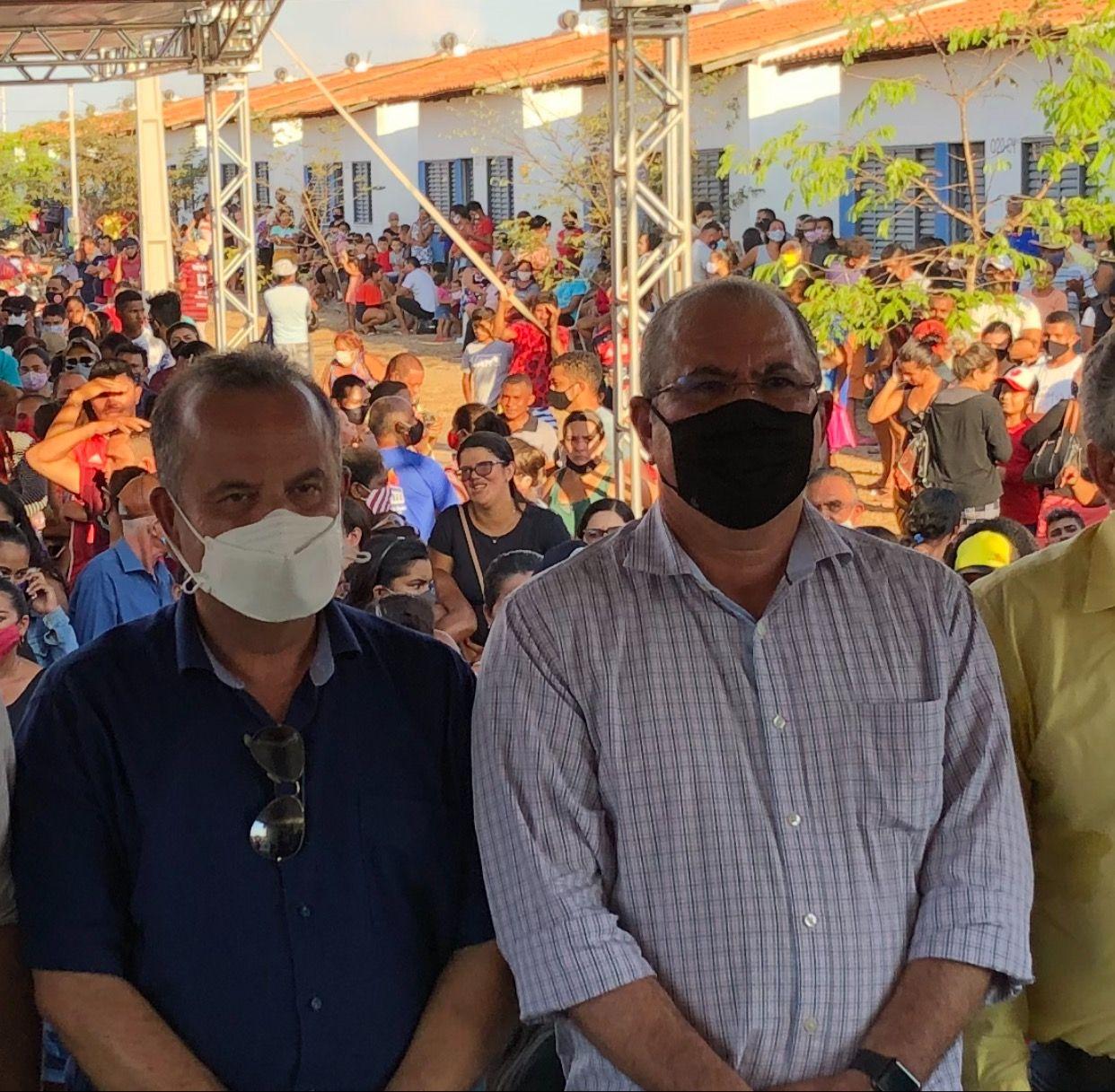 Ministro reconhece que foi graças ao esforço de Hildo Rocha que mil casas foram construídas em Barra do Corda