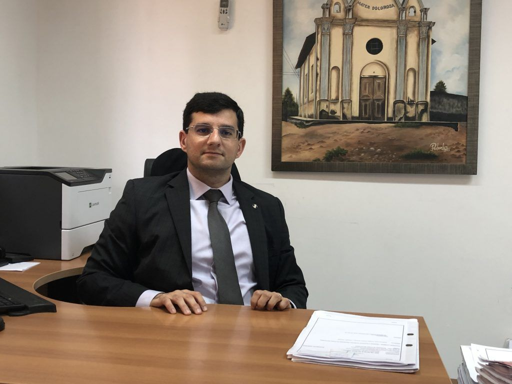 URGENTE!! Juiz eleitoral Queiroga Filho nega pedido de partido aliado de Eric Costa para proibir divulgação de pesquisa eleitoral em Barra do Corda