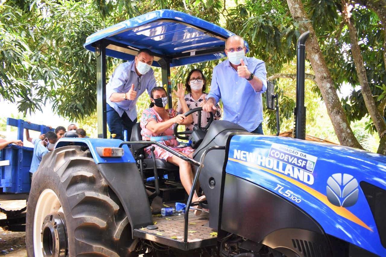 Em Santa Luzia, comunidade Boa Esperança recebe patrulha agrícola doada por Hildo Rocha