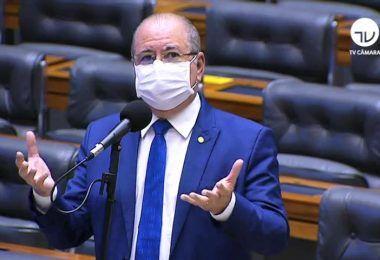 Hildo Rocha alerta sobre fraudes nos credenciamentos de pescadores