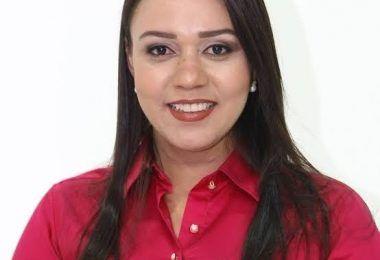 URGENTE!! Após ato ilegal de vereadores, Justiça retorna a prefeita de Arame Jully Menezes ao cargo