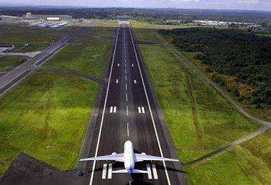 Durante evento com a presença de Bolsonaro, ministro garante construção do aeroporto de Barra do Corda