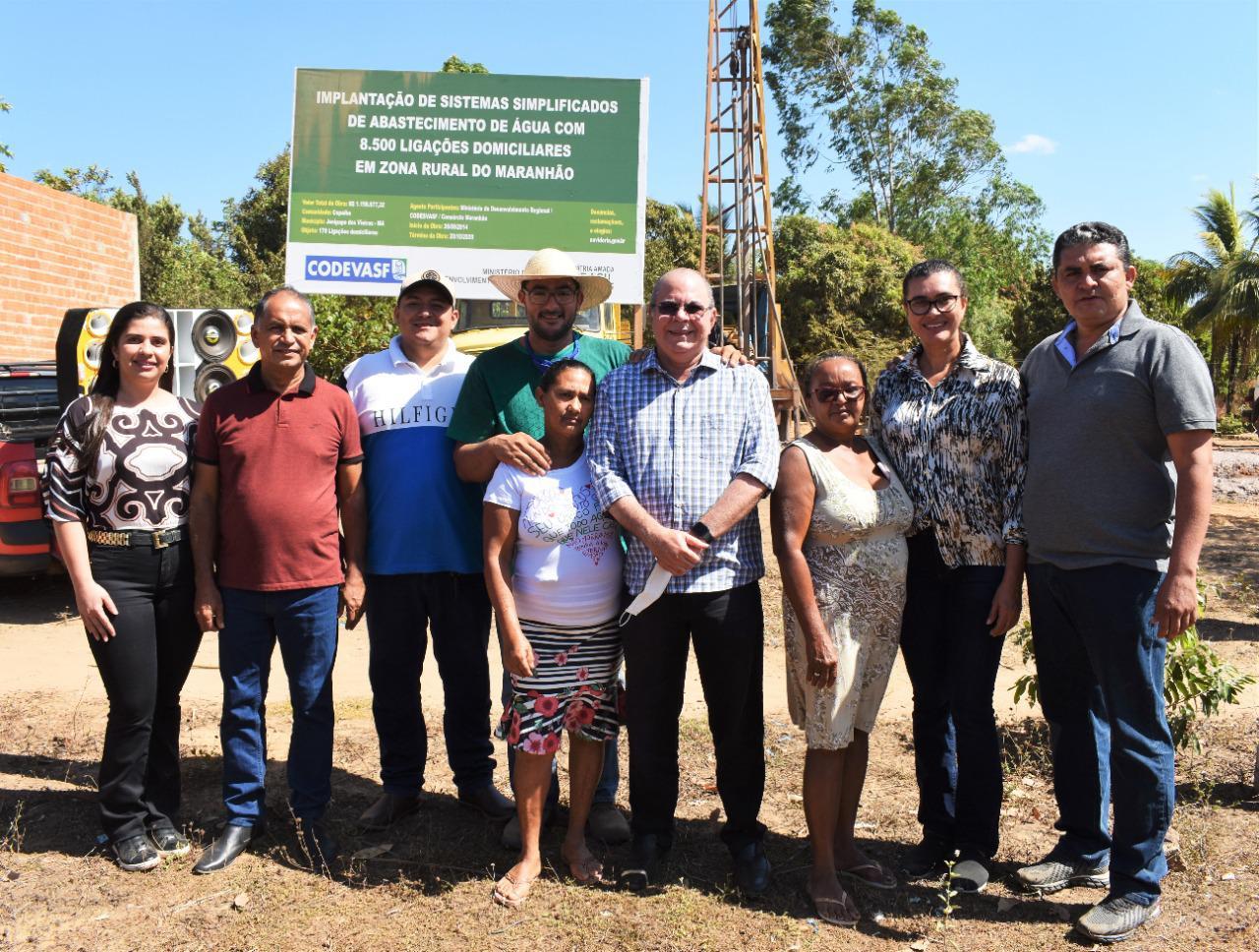 Hildo Rocha vistoria construção de sistema de abastecimento de água em Jenipapo dos Vieiras