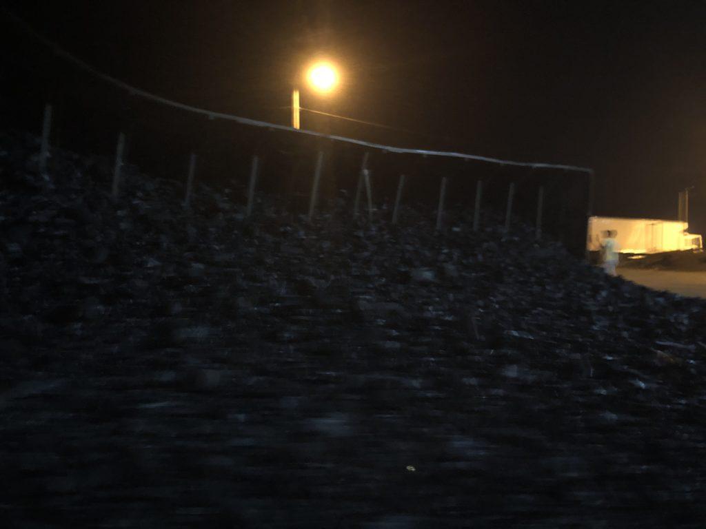 carreta carregada de carvao tomba na br 226 em barra do corda 1 1024x768 - Carreta carregada de carvão tomba na Br-226, em Barra do Corda