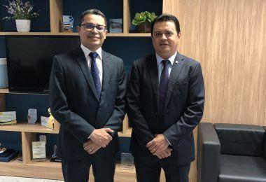 Prefeito eleito Rigo Teles se reúne com secretário de estado da saúde e pede parceria com sua futura gestão