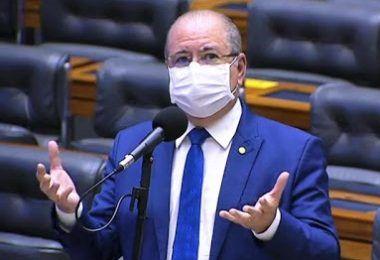 Hildo Rocha diz que Artur Lira se comporta perante o caso Daniel Silveira assim como Pilatos se comportou perante o caso Barrabás