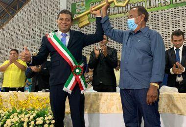 Arnóbio do Carro Velho é empossado prefeito de Jenipapo dos Vieiras aos 43 anos de idade